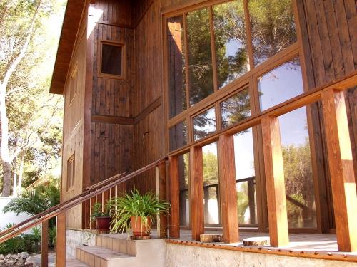 exterior terraza casa de madera prefabricada Vilas Anderson