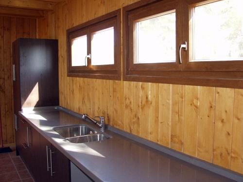 muebles cocina casa de madera prefabricada Vilas Anderson