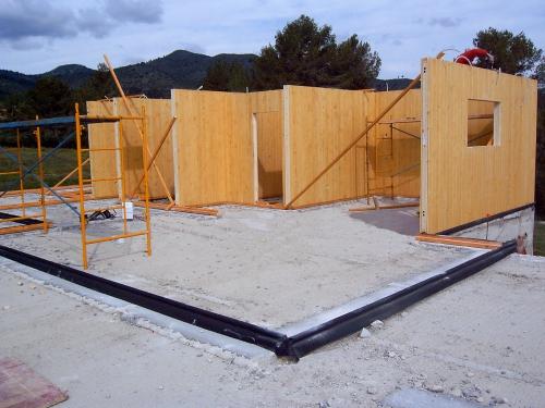 montaje paredes casa de madera prefabricada Vilas Anderson