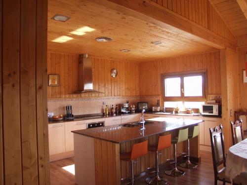cocina casa de madera prefabricada Vilas Anderson