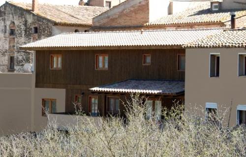 reforma B/B con paredes de madera prefabricadas