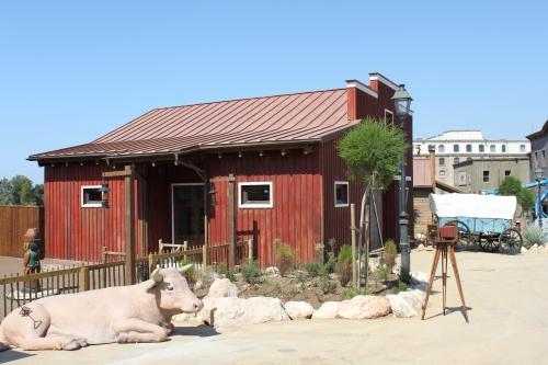restaurantes con paredes prefabricadas de madera