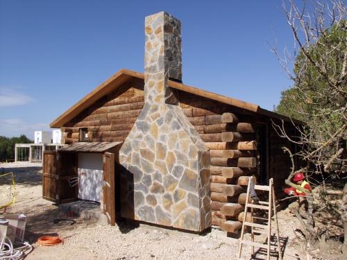 montaje casa de madera prefabricada para hotel