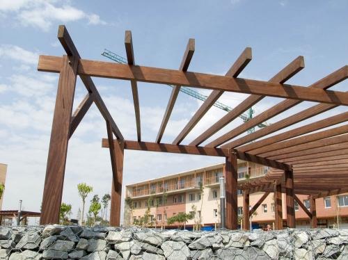 pergola de madera, vilas anderson, jardín, terraza restaurante